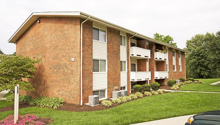 Windsor hills apartments blacksburg for One bedroom apartments in blacksburg va